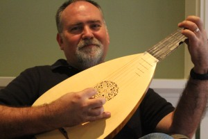 warming up on my little alto lute last week for Saturday morning's rehearsal with Francis