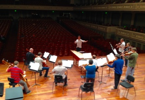 Matthew Halls rehearses Brandenburg Concerto No. 3 with the Nashville Symphony, Schermerhorn Symphony Center, October 21, 2015,