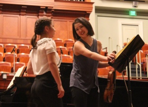 Simone Porter masterclass at Schermerhorn Symphony Center (student Maggie Kasinger, left) ~ October 27, 2016 ~ photo K.B.